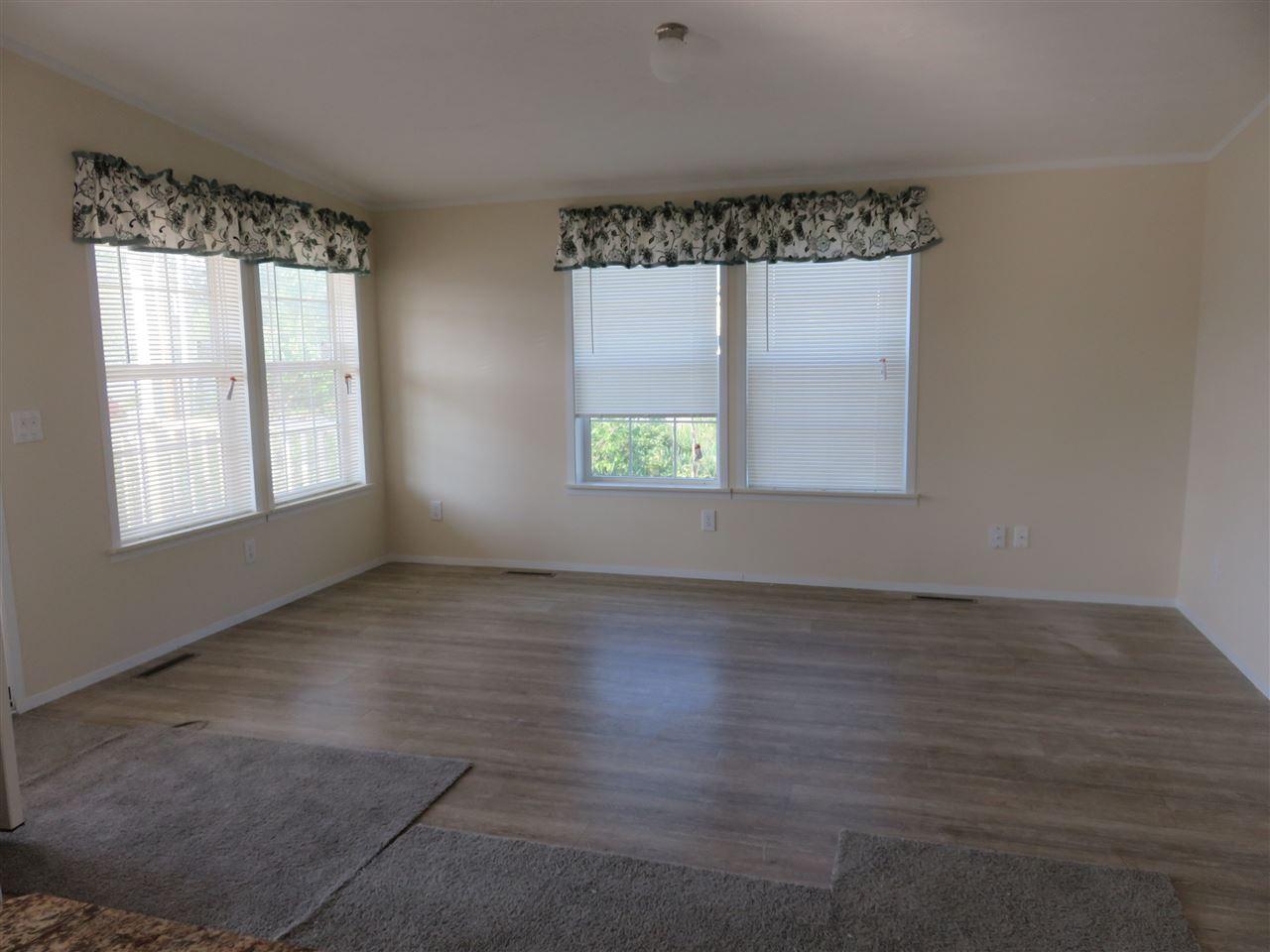 Living Room 12325550
