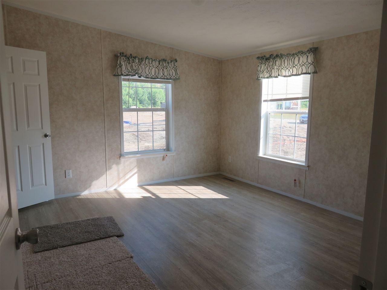 Master Bedroom 12325618
