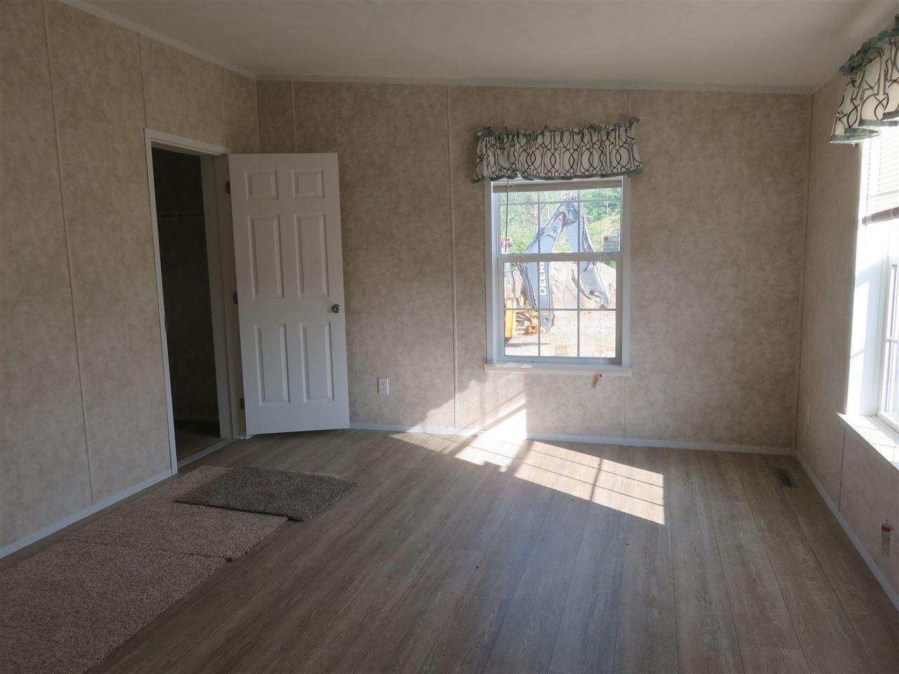 Master Bedroom 12325641