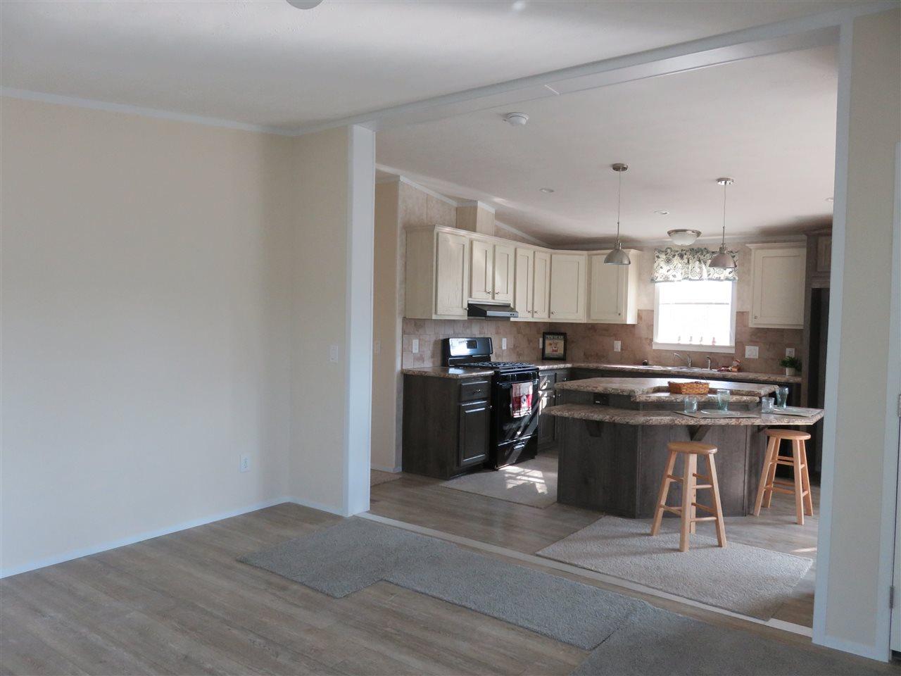 Living /Kitchen 12325657