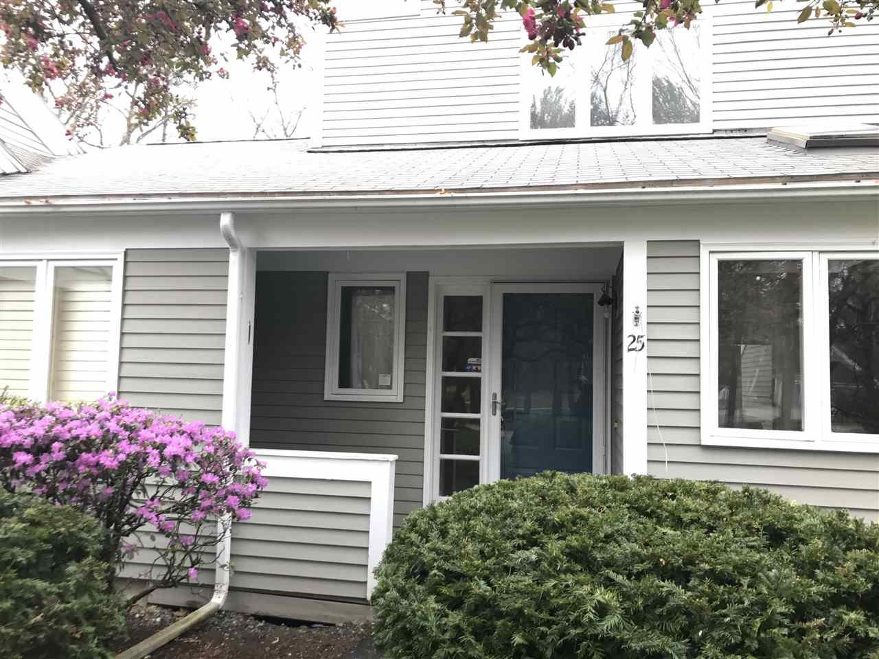 Nashua NH Condo for sale $List Price is $274,000