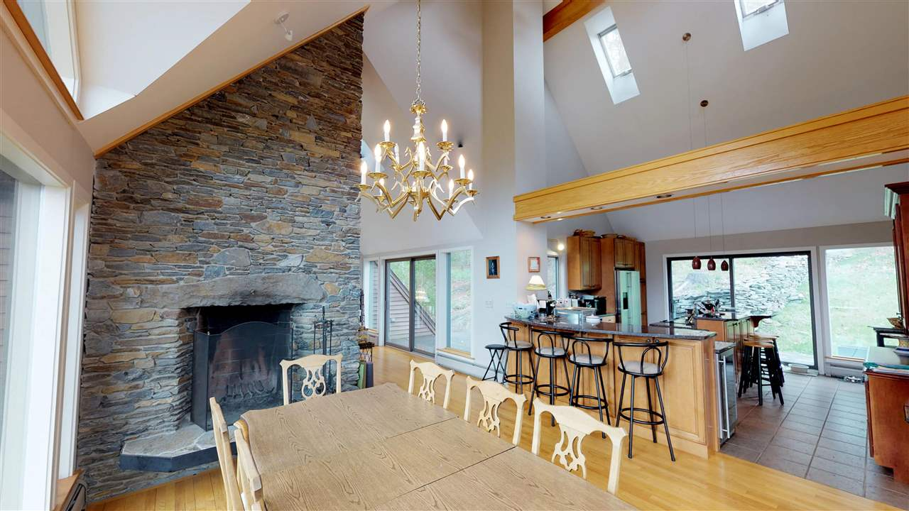 Double fireplace for comfort and enjoyment 11875334