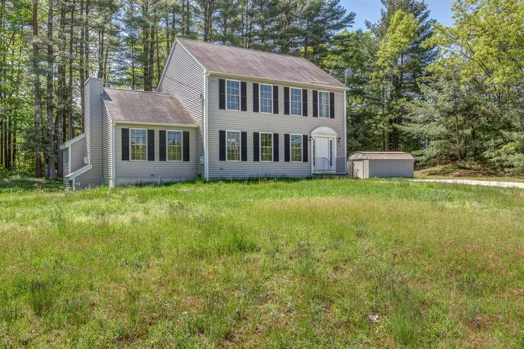 Photo of 184 South Road Londonderry NH 03053