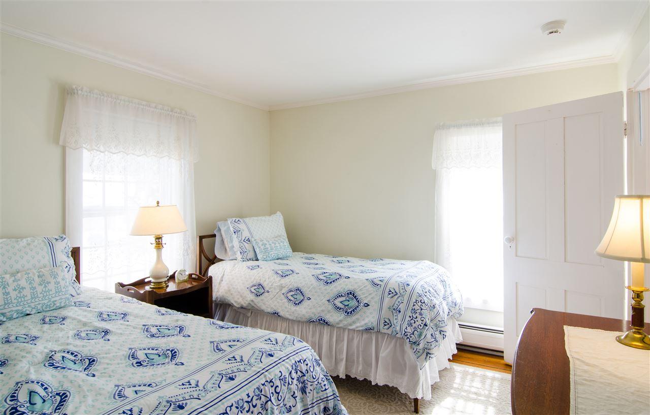 Additional bedroom on second floor 11825649