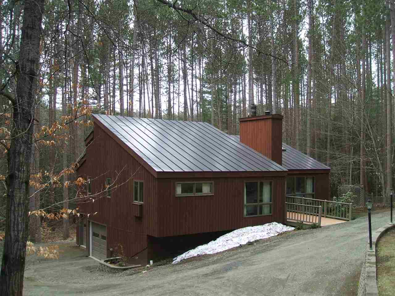 VILLAGE OF QUECHEE IN TOWN OF HARTFORD VT Home for sale $$229,000 | $129 per sq.ft.