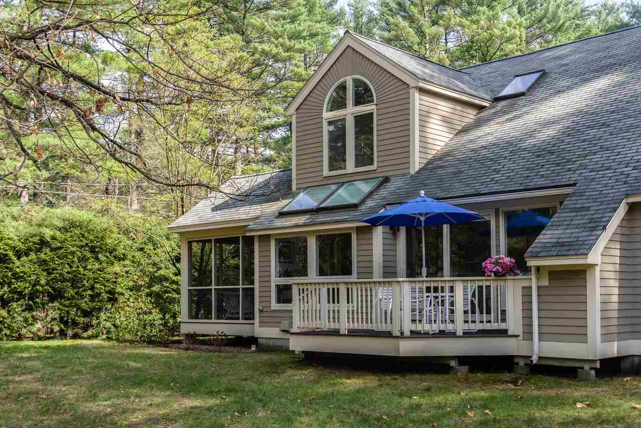 MLS 4690574: 41 Point Breeze Road, Wolfeboro NH