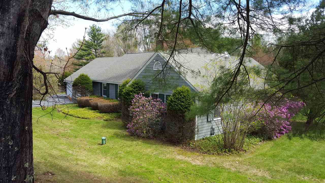 LYME NH Home for sale $$525,000 | $191 per sq.ft.