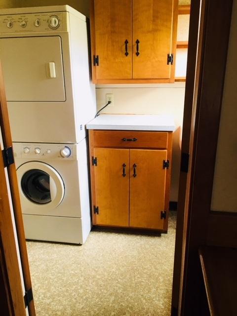 First floor laundry w/half Bath off Mudroom