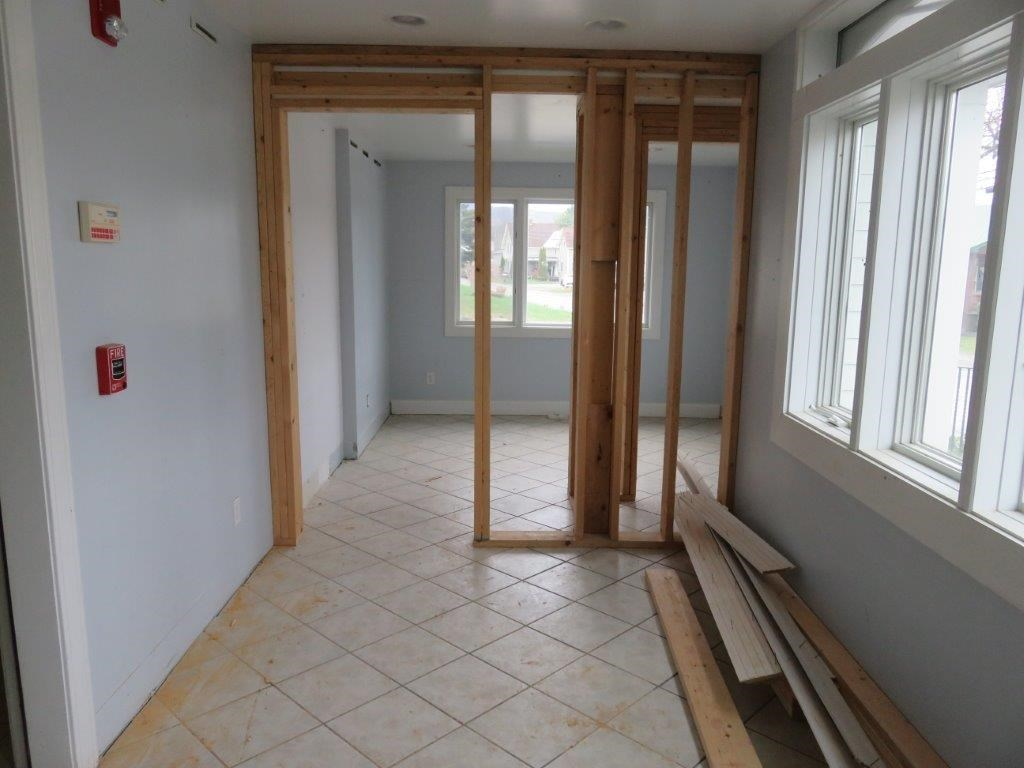 Front Room 11845325