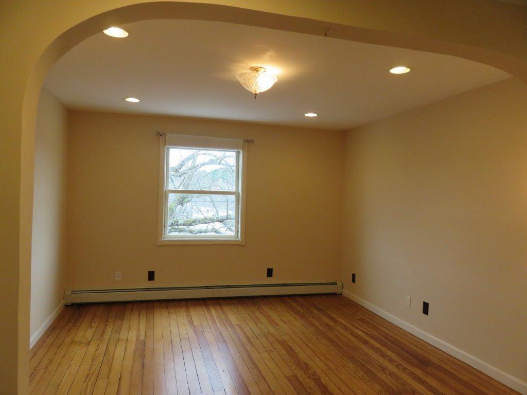 living room 11845300