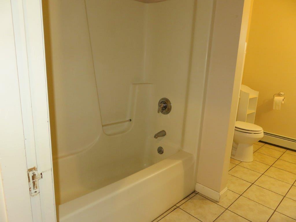 Full Bath 11845305