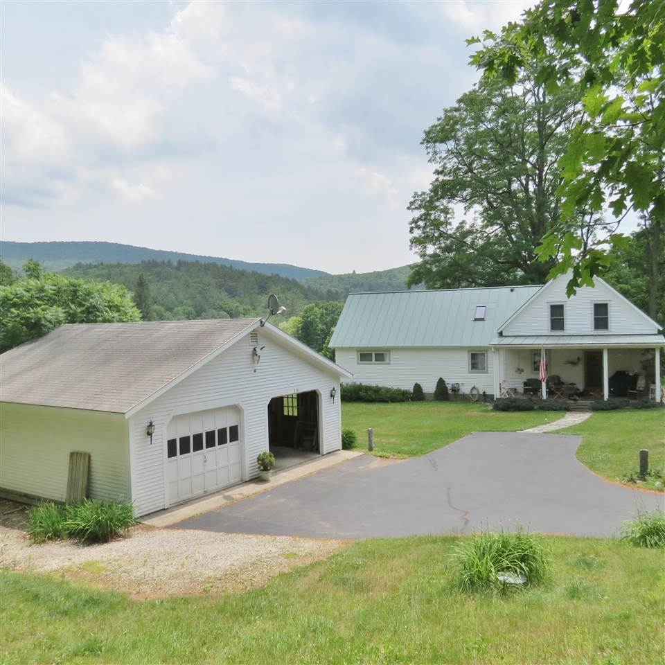 CLASSIC FARMHOUSE W/GREAT PRIVACY & VIEWS 11863010