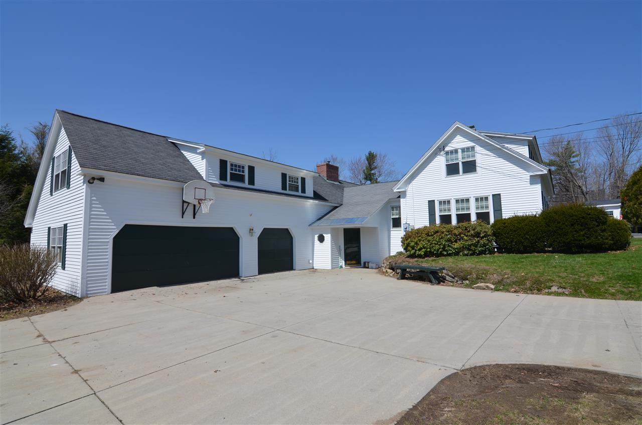 NEW LONDON NH Home for sale $$418,000 | $159 per sq.ft.
