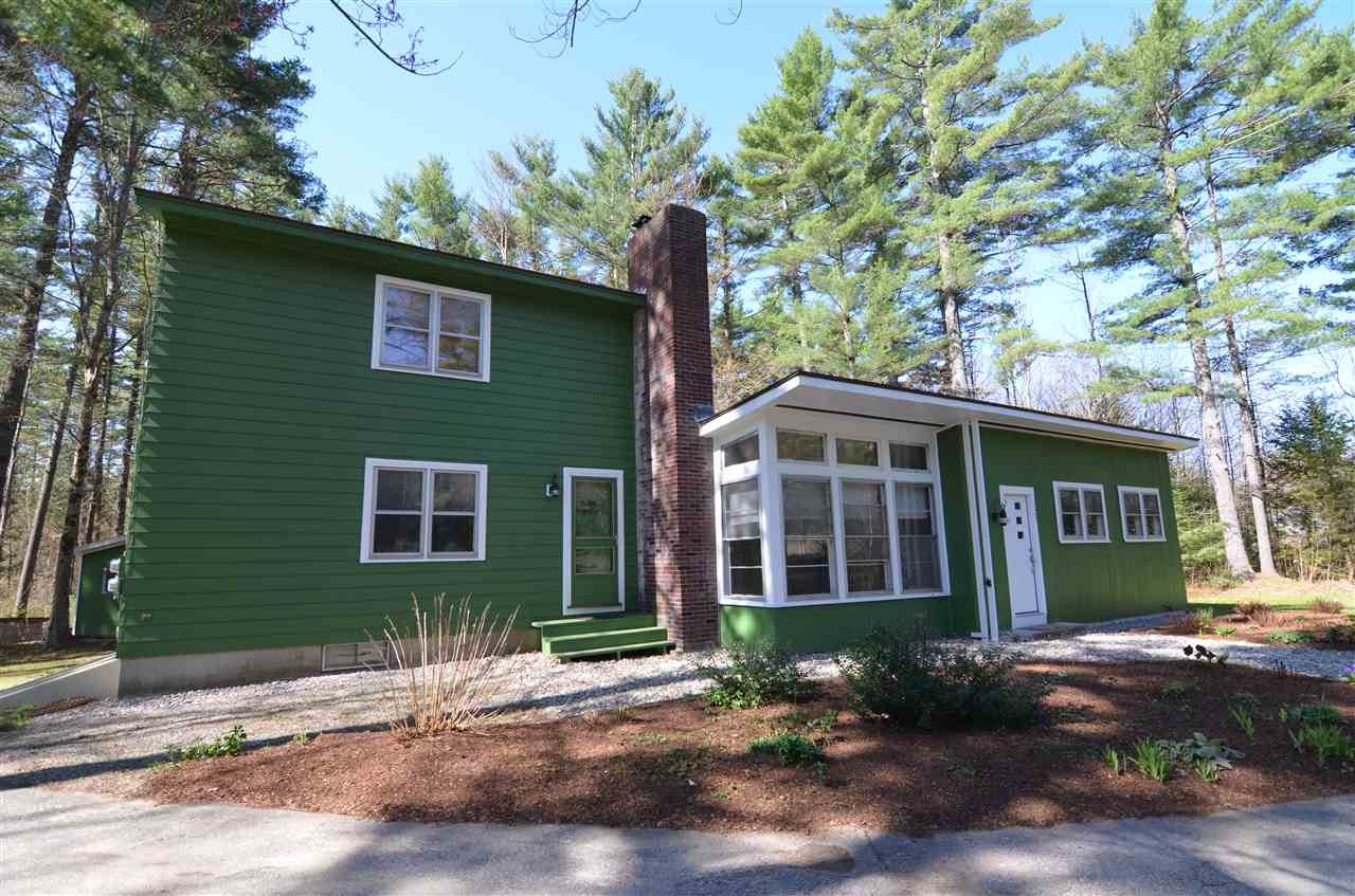 NEW LONDON NH Home for sale $$289,900 | $180 per sq.ft.
