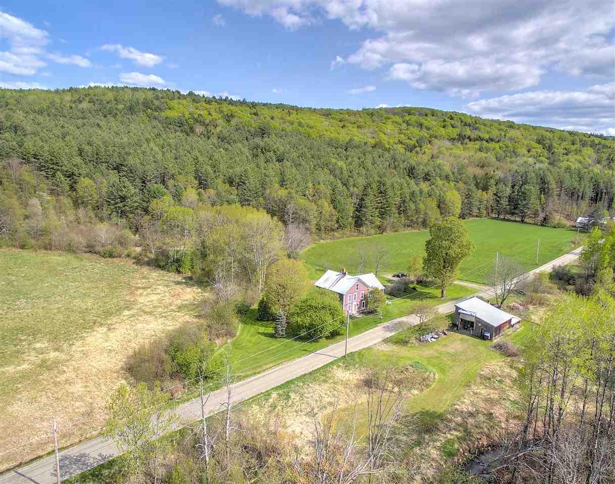 Property backs up to Amity Pond Conservation Area! 11901402
