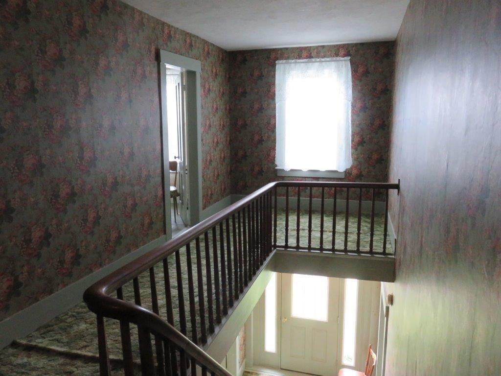 2nd Floor Hallway 11896131