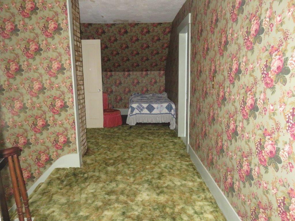 2nd Floor Hallway 11896133
