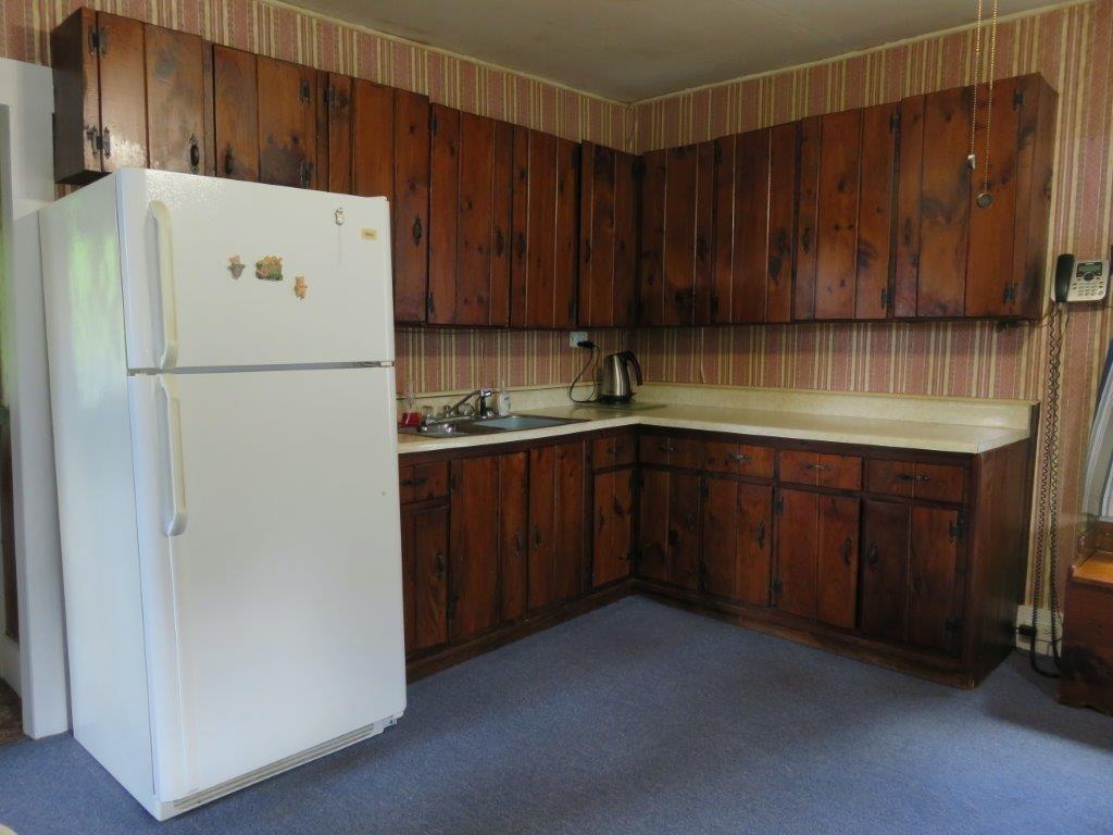 Pine Cabinets 11896117