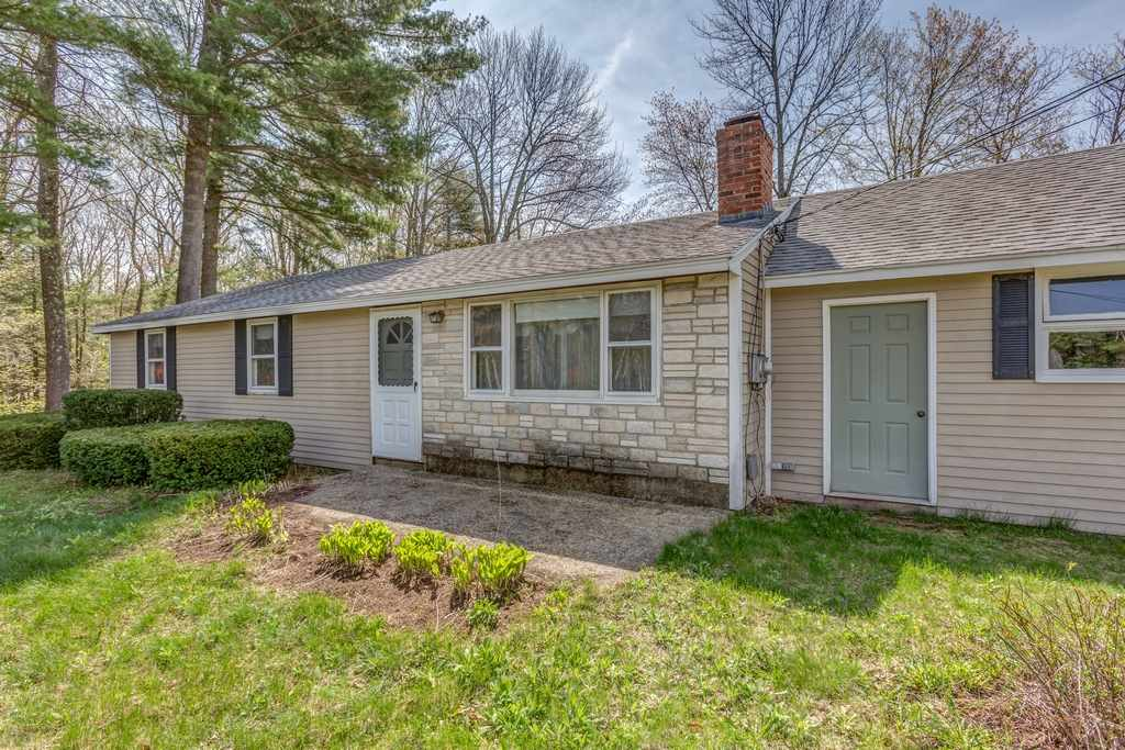 Mont Vernon NHHome for sale $List Price is $250,000