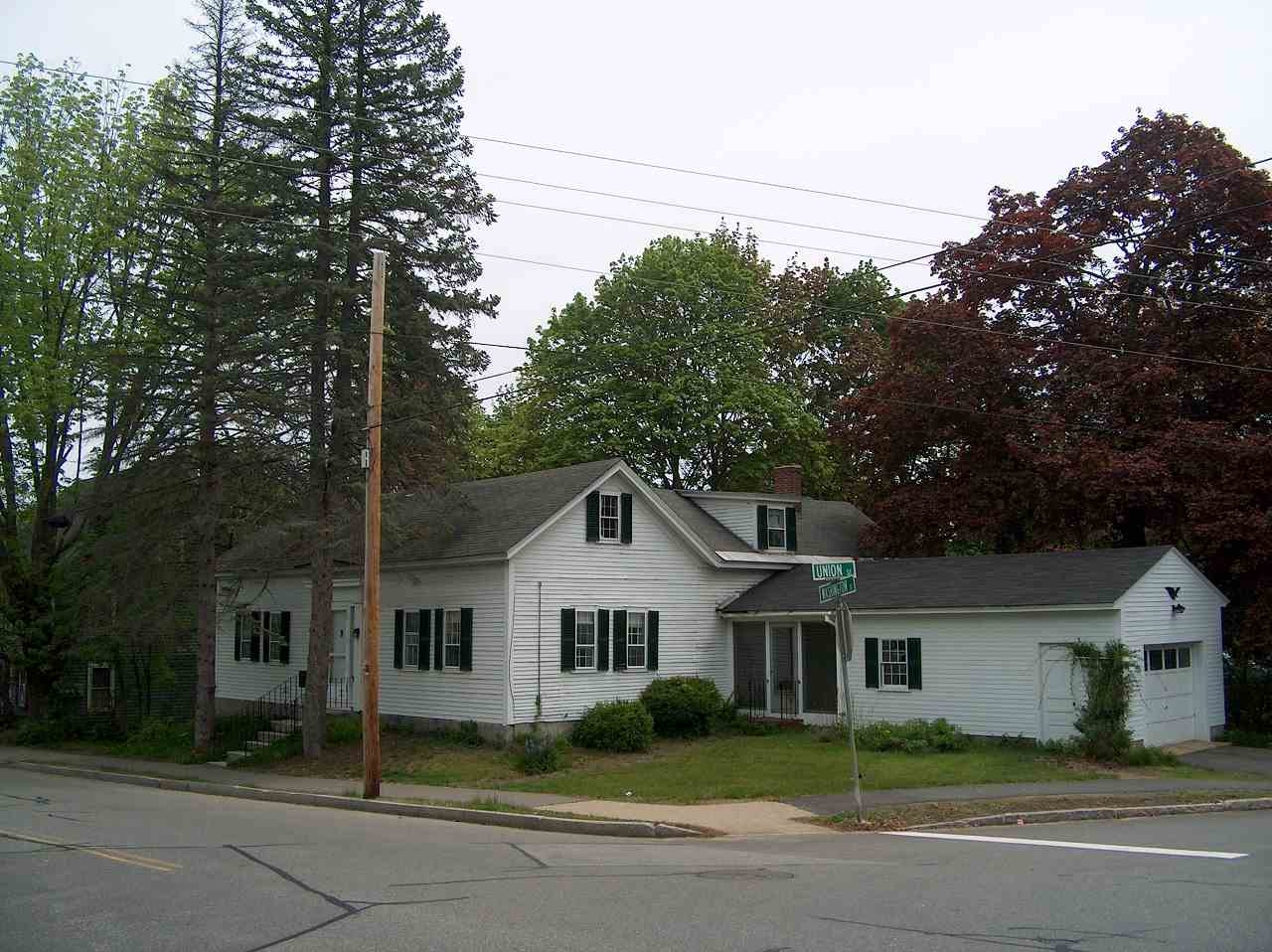 image of Concord NH  2 Unit Multi Family | sq.ft. 1910