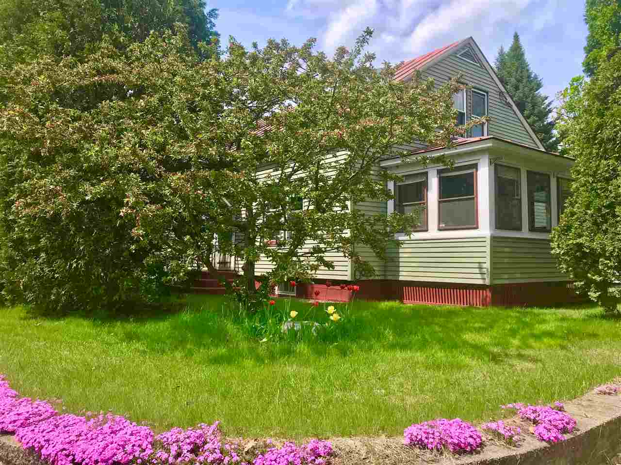 Hartford VT Home for sale $List Price is $195,000