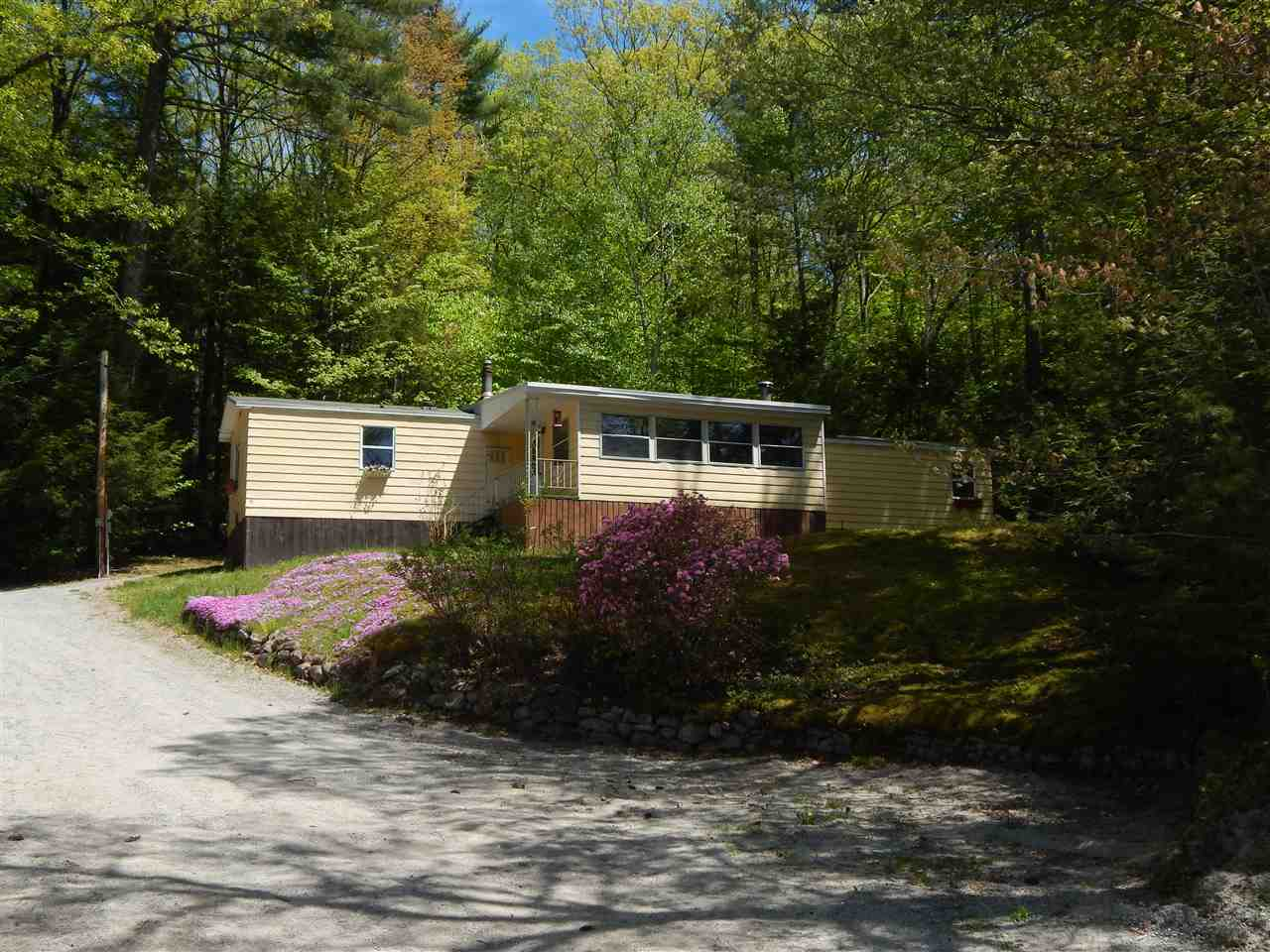 BRADFORD NH Mobile-Manufacured Home for sale $$99,500 | $90 per sq.ft.