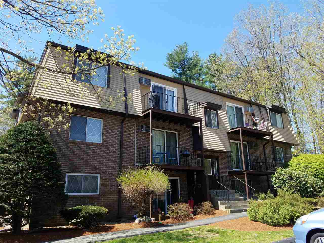 DERRY NH Condo for rent $Condo For Lease: $1,200 with Lease Term