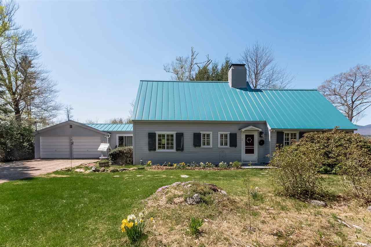 SANDWICH NH Home for sale $295,000