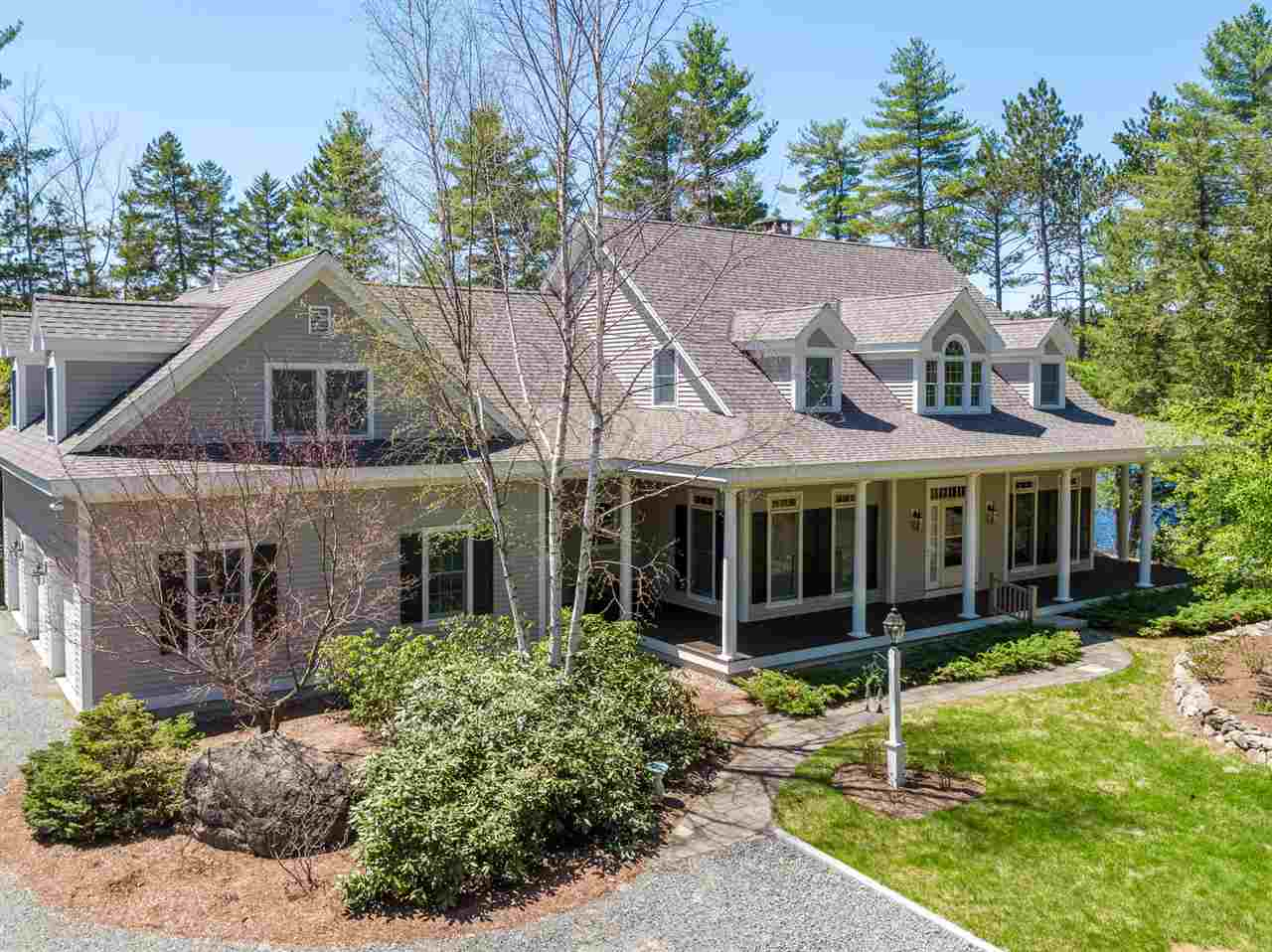 NEW LONDON NH Home for sale $$1,325,000 | $336 per sq.ft.