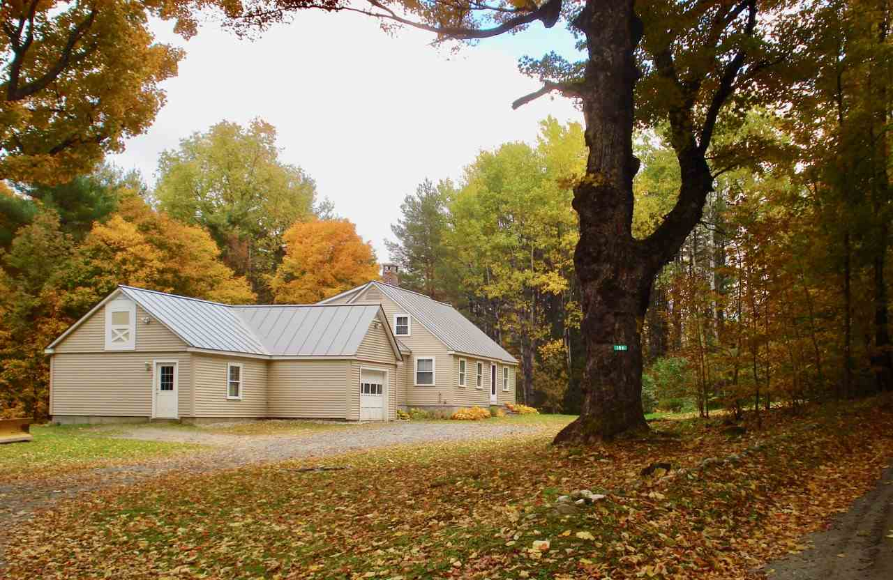 Hartland VT Home or Farm Acres: 8.5     Beds: 3