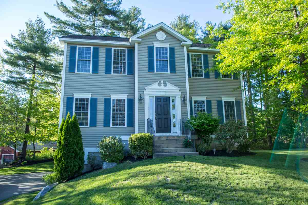 MANCHESTER NH Home for sale $$317,900 | $165 per sq.ft.