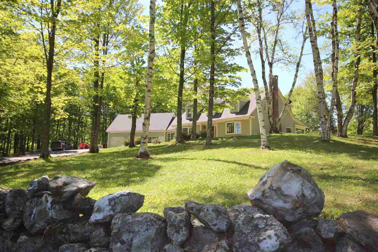 West Windsor VT Home or Farm Acres: 53     Beds: 4