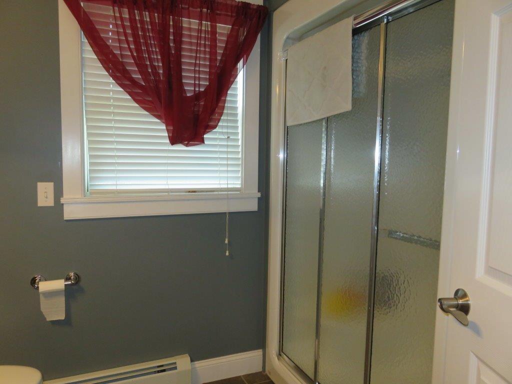 1st Floor Bath 12022450