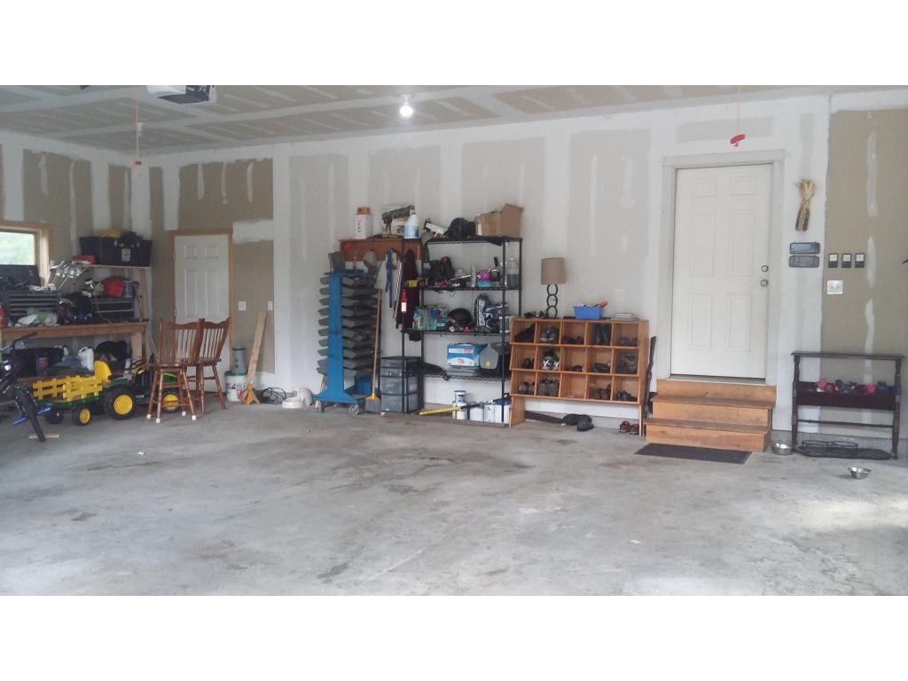Heated 3 Bay Garage 11966196