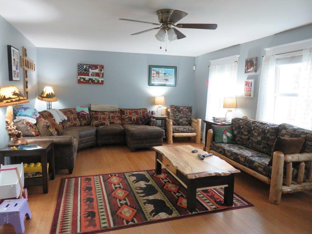 23x15 Living Room 11966263
