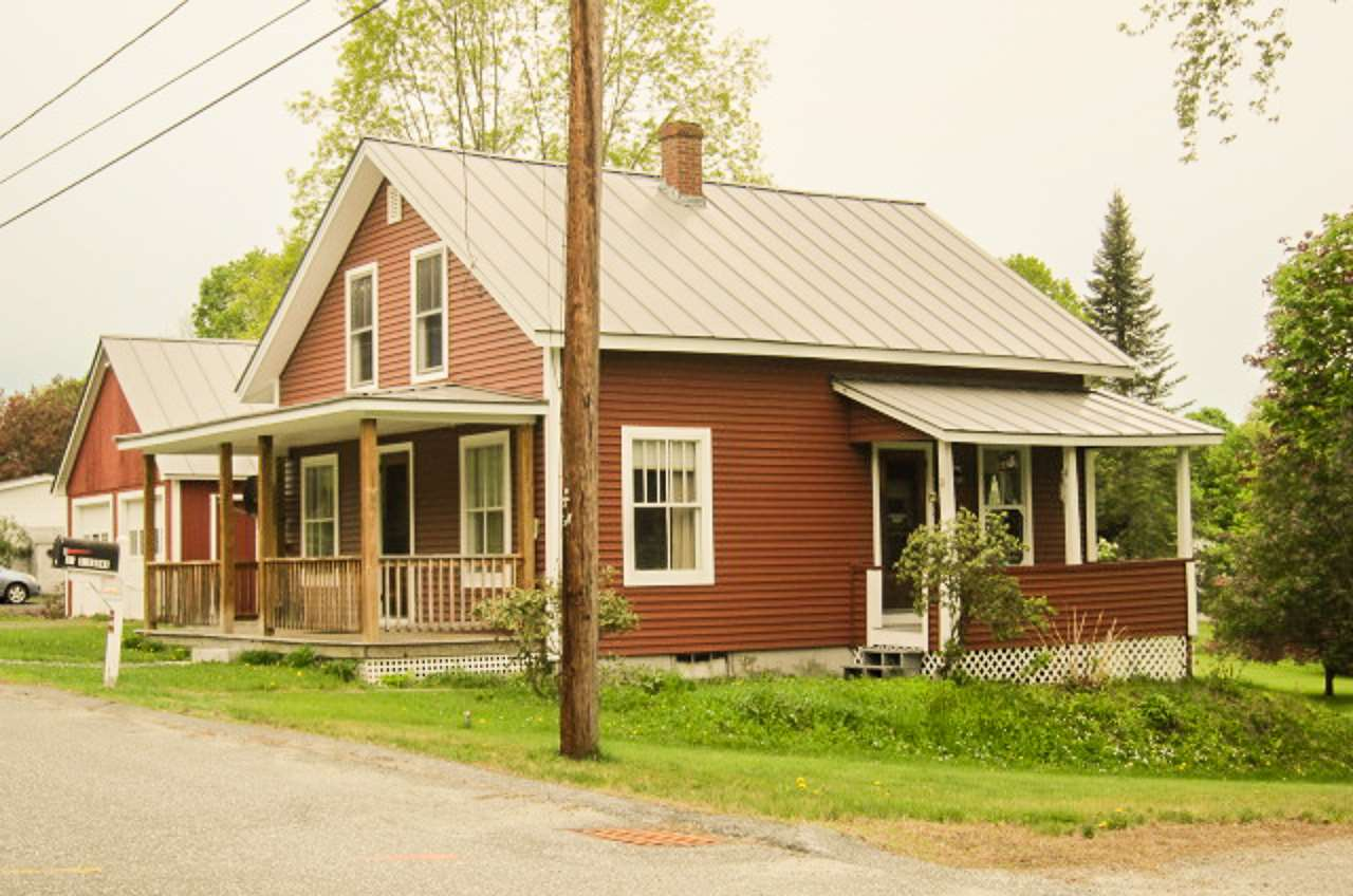 ENFIELD NH Home for sale $$179,000 | $164 per sq.ft.