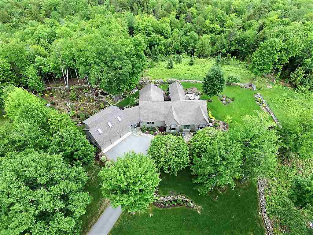 VILLAGE OF ELKINS IN TOWN OF NEW LONDON NH Home for sale $$1,625,000 | $405 per sq.ft.