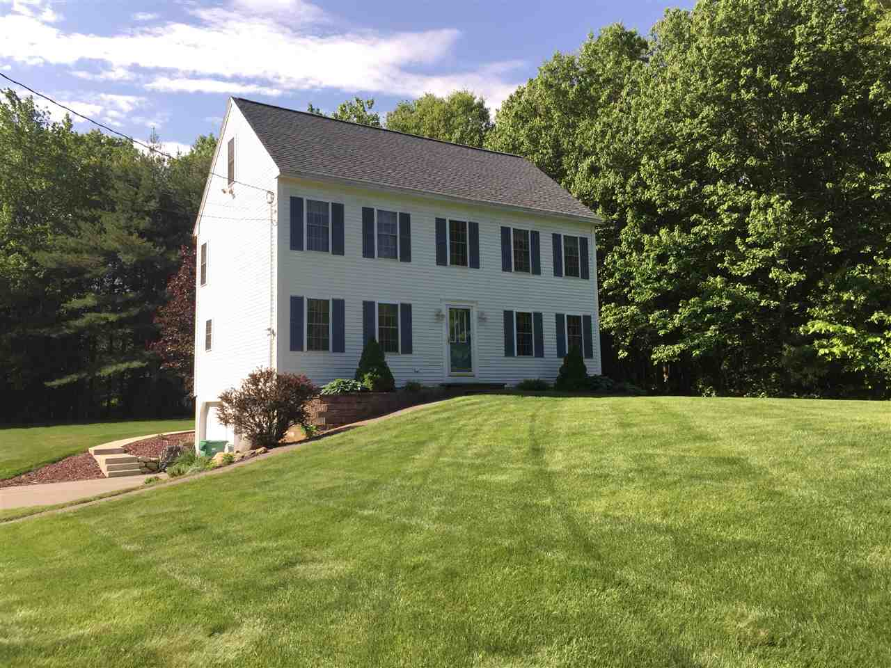 Photo of 22 Victoria Farms Road Fremont NH 03044