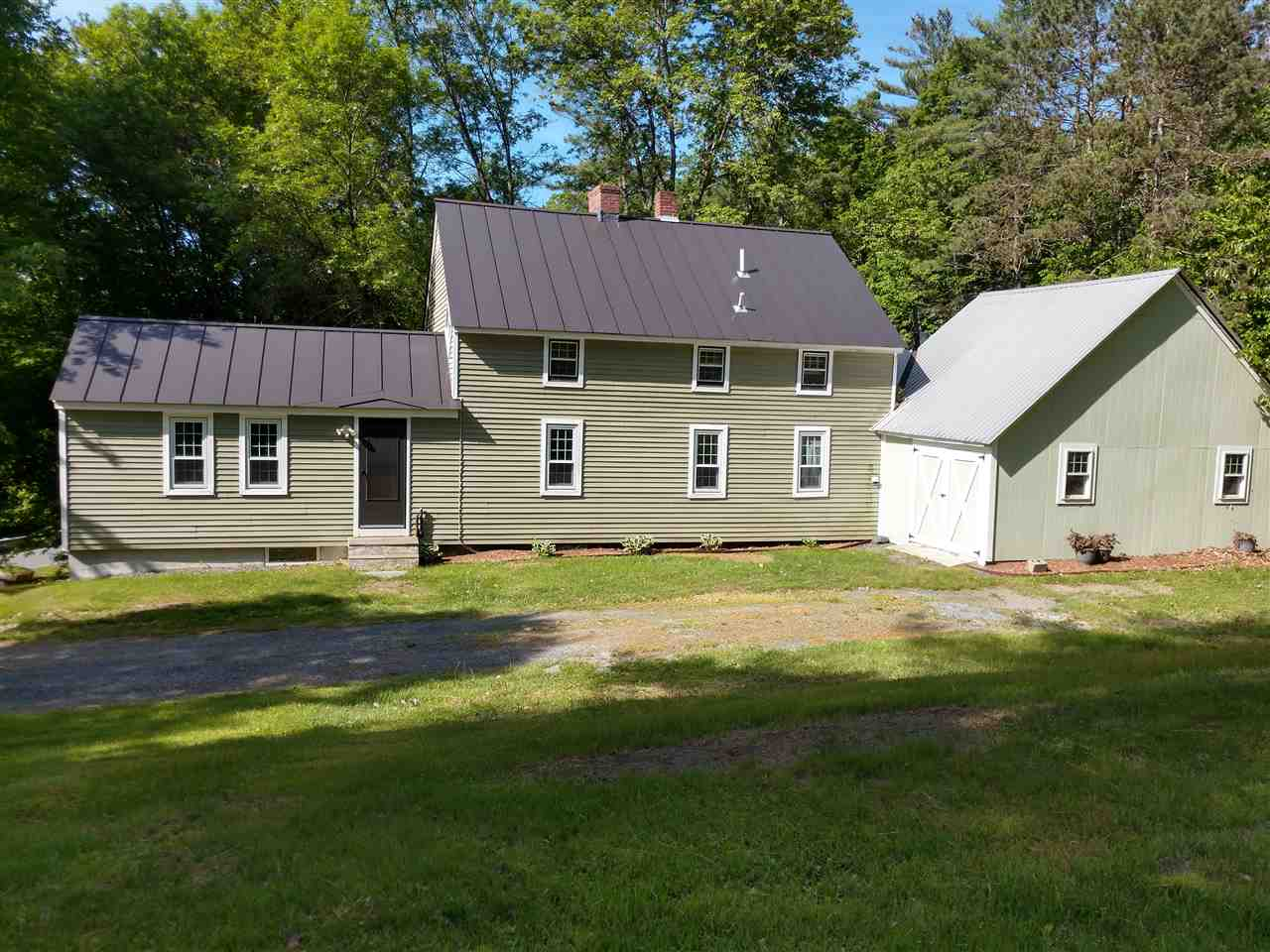 FAIRLEE VT Home for sale $$199,000 | $125 per sq.ft.