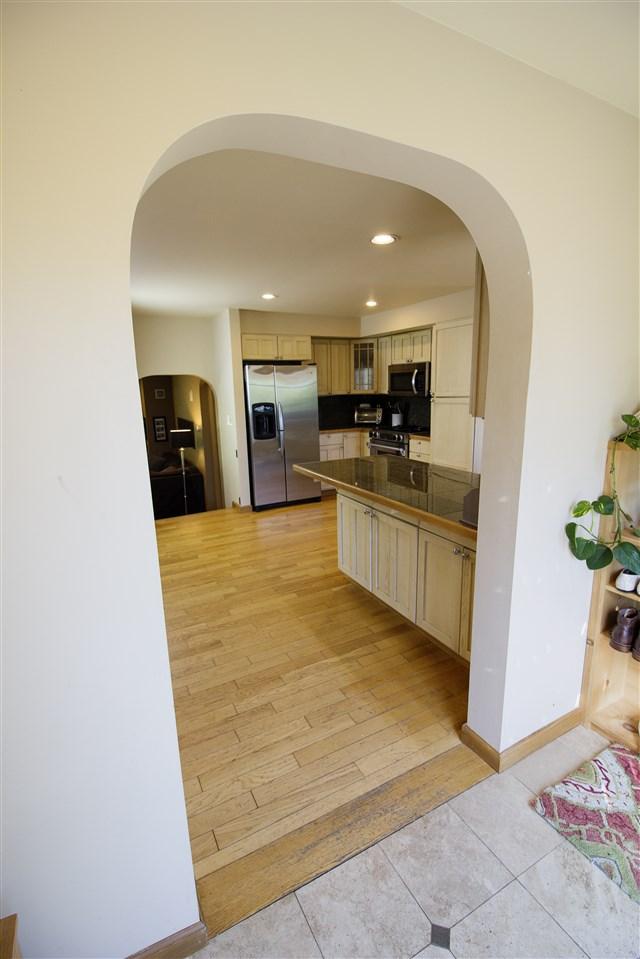 Entrance to Kitchen 12039221
