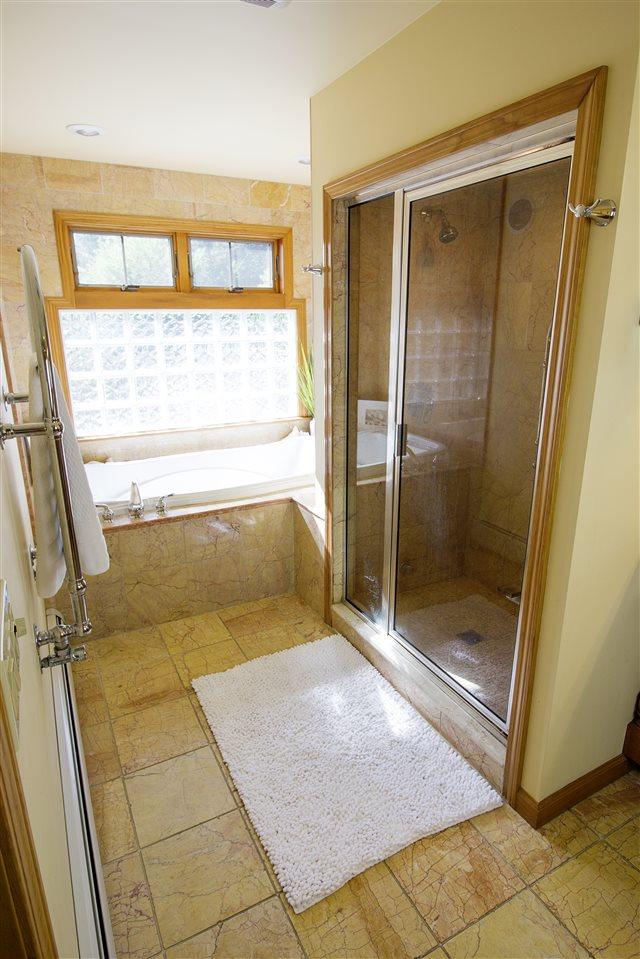 Master Bath 12039334