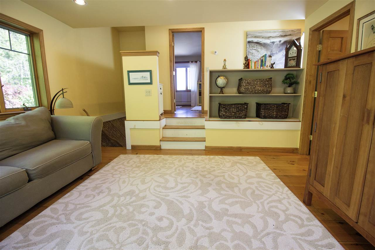 Family Room 12044180