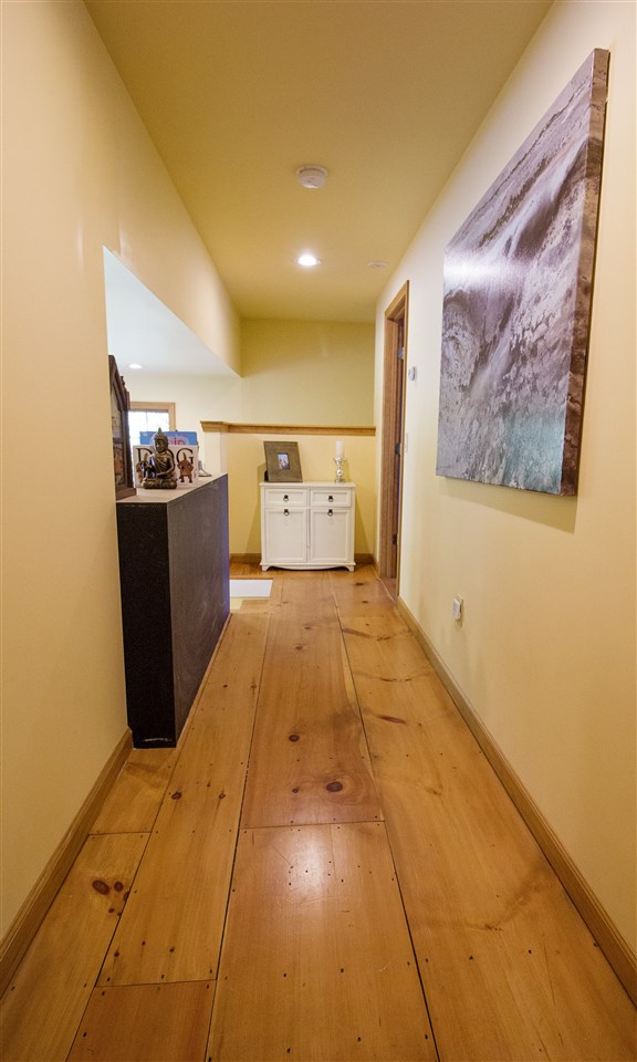 Upstairs Hallway 12044237