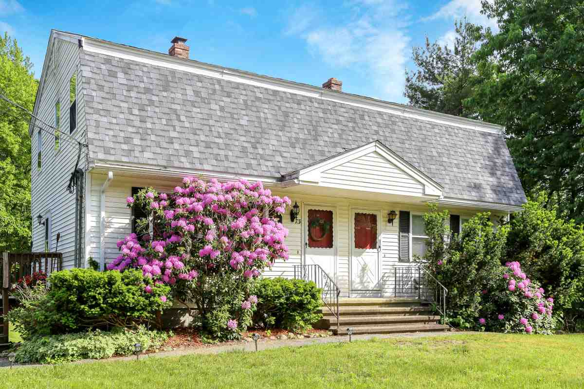 Salem NHCondo for sale $List Price is $224,900