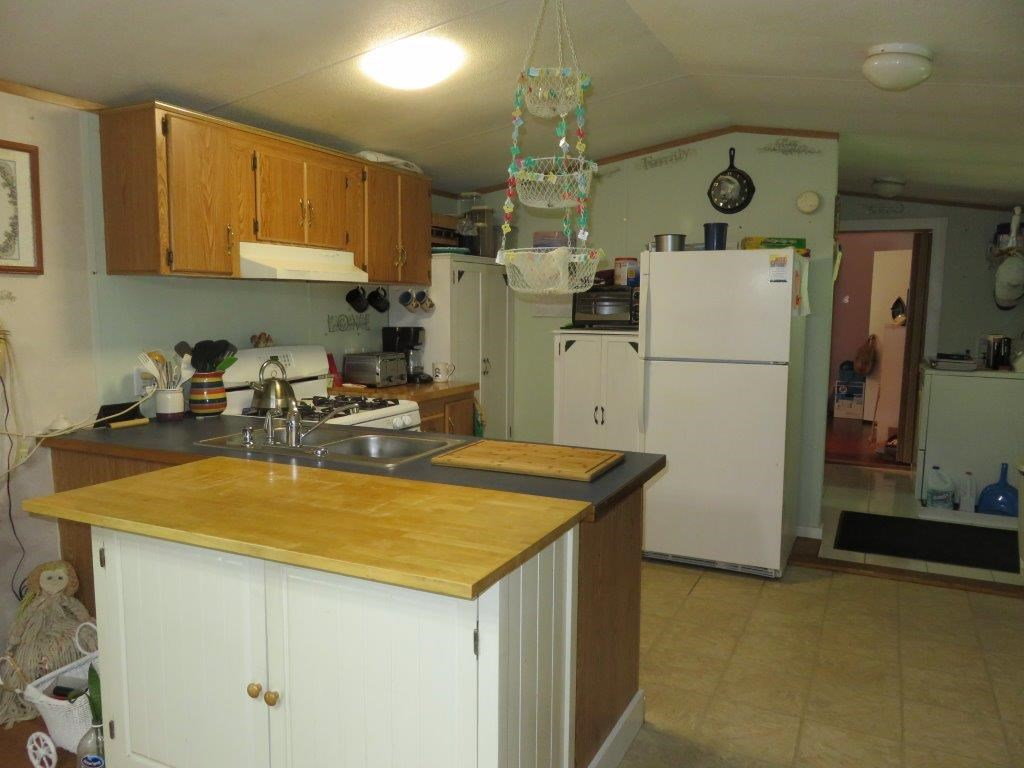 Applianced kitchen 12054068