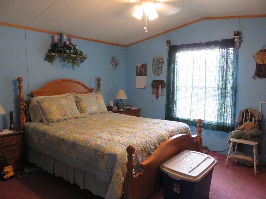 Bedroom 12054067