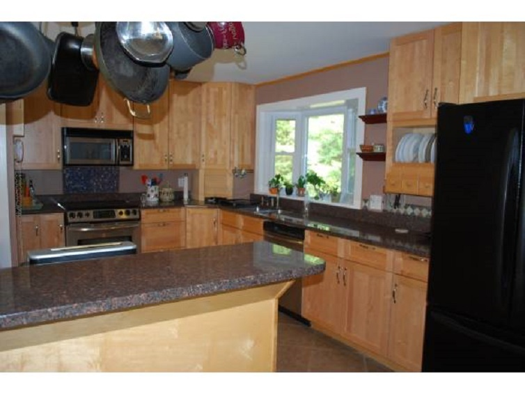 NEW LONDON NH Home for sale $$395,000 | $146 per sq.ft.