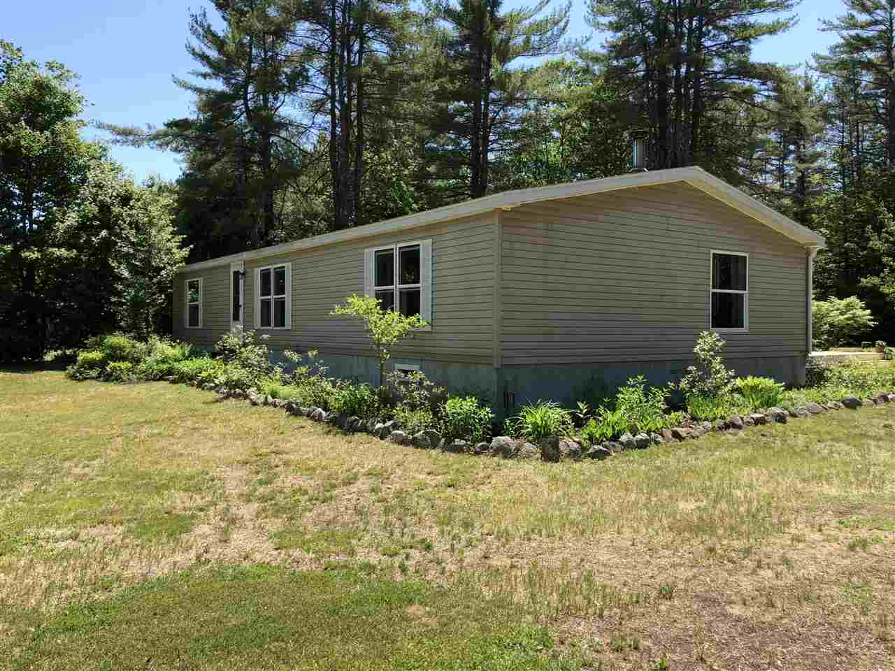 Effingham NH Home for sale $$179,000 $114 per sq.ft.