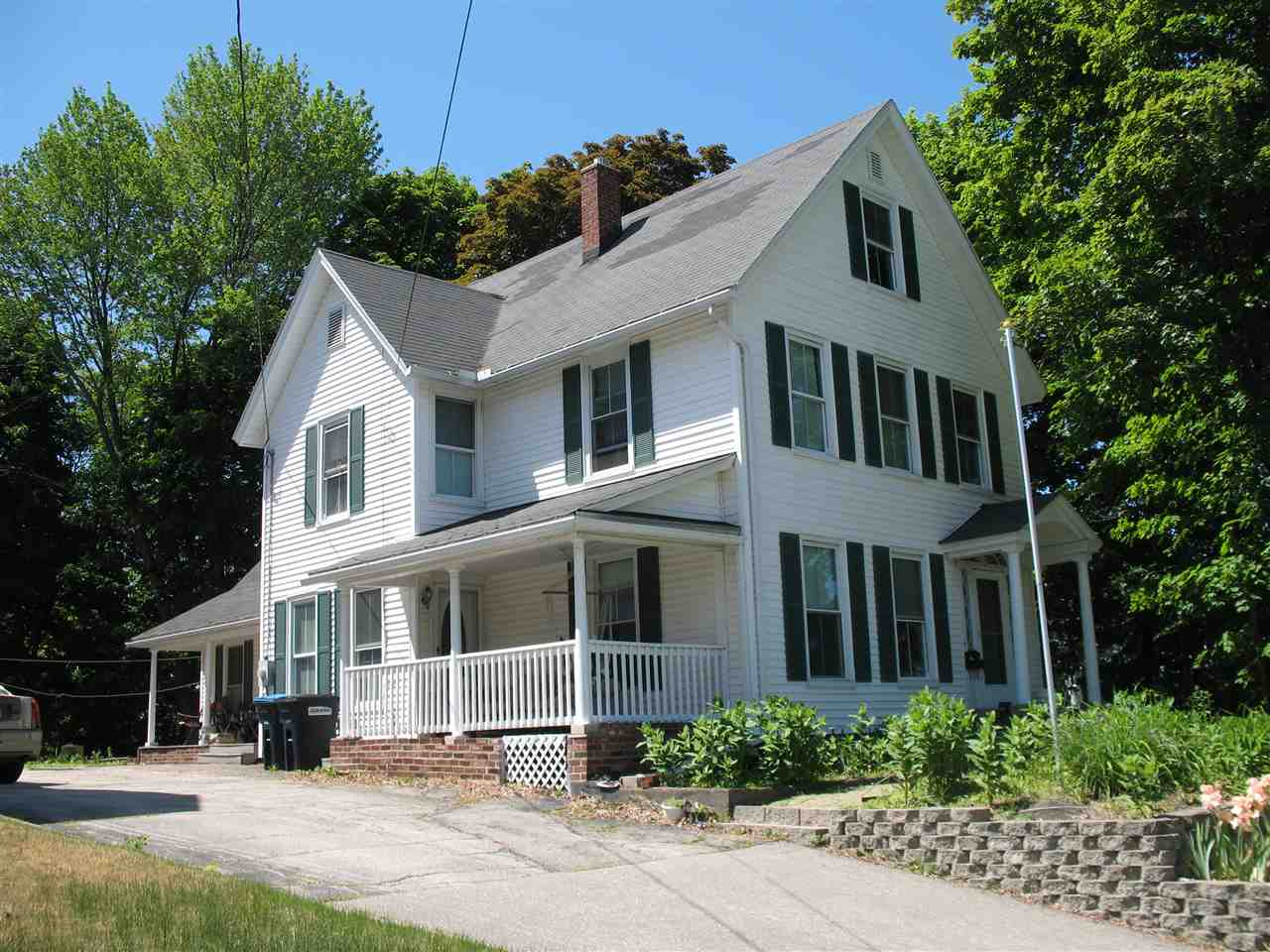 Allenstown NH Home for sale $List Price is $169,900