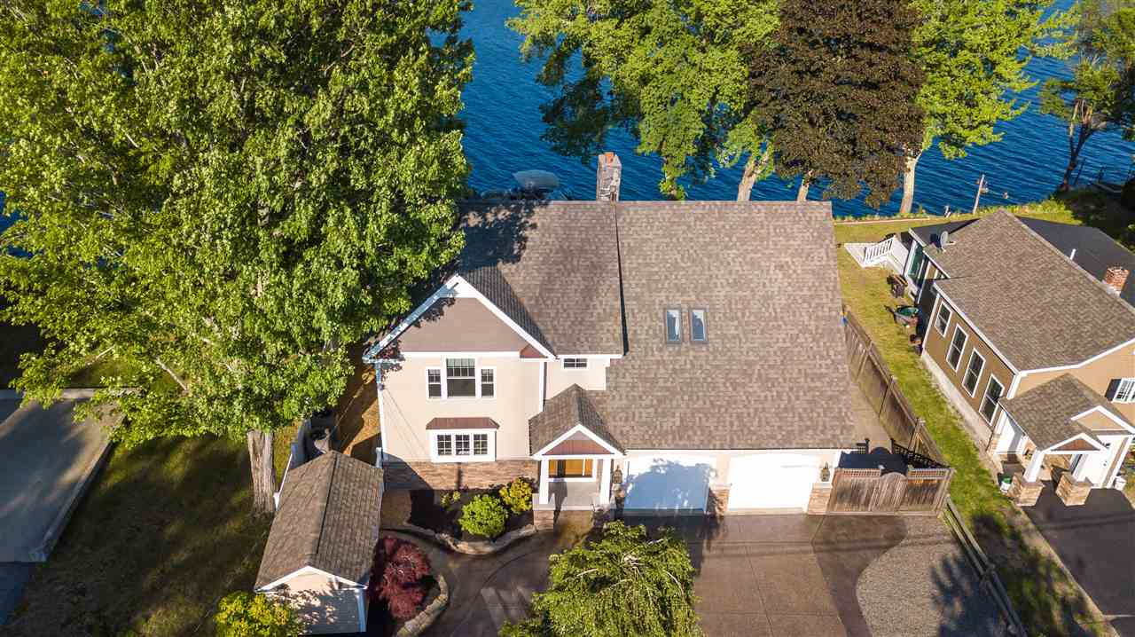 MANCHESTER NH Lake House for sale $$685,000 | $247 per sq.ft.
